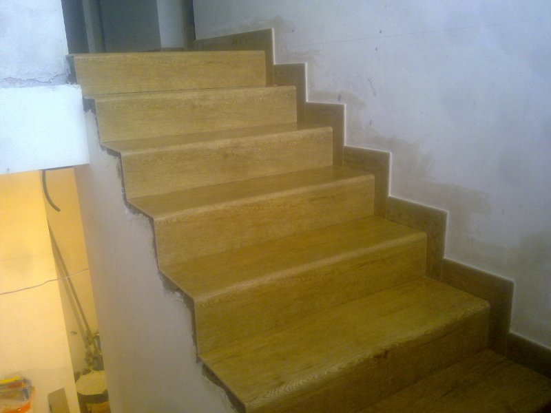 Trabajos soladores net - Peldanos escalera imitacion madera ...